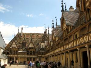 Courtyard Hôtel-Dieu