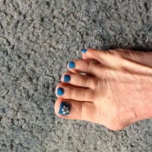 Pretty blue toes