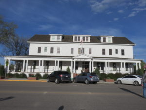 Sacajawea Hotel